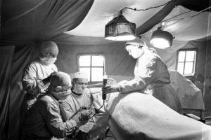 Открытие мемориала военным медикам в Воронежском военном госпитале